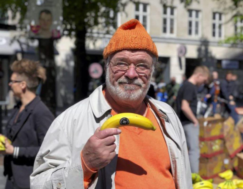 Minby.dk Dick Kaysø bekæmper penis-tabu med bananer Hercules&Co Rejsningsproblemer og impotens